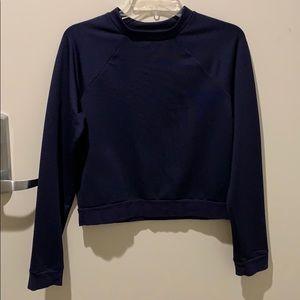 Dark blue longsleeved cropped top